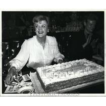 1925 Press Photo Actress Angela Lansbury with 56th Birthday Cake - ney12848