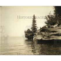 "1926 Press Photo ""Lookout Point"", Apostle Islands, Lake Superior - mjx04225"