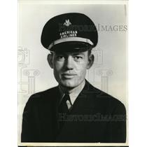 1938 Press Photo American Airlines Pilot Claude T. Perdue - ney12109