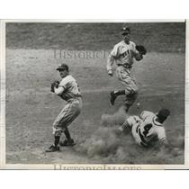 1946 Press Photo Phillies Ron Northey out at second by Giants Nick Witek