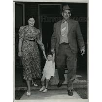 1937 Press Photo Actor Elmo Lincoln, wife Ida Lee & daughter Marica in Utah