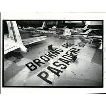 1987 Press Photo Burke Lakefront Airport-banner - cvo02118
