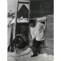 1970 Press Photo Jacob Ahkinga Eskimo Villager Little Diomede - spa30022