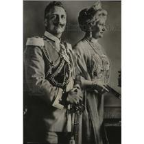 1915 Press Photo The Kaiser and Kaiserin Before the War - spa30056