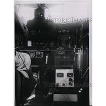 1935 Press Photo Radio Radio Indicator installed in a plane  - ney13695