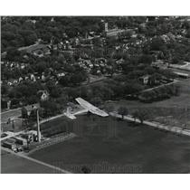 1958 Press Photo One of the plane bearing students passed over Waukesha on north