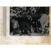 1939 Press Photo London Riot - nef09750