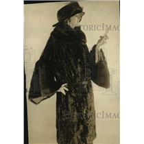 1922 Press Photo Caracal & Kolinsky Fur Fashions for Women - ney17322