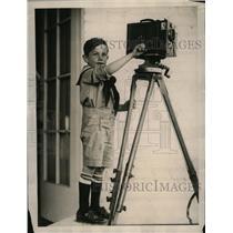 1922 Press Photo Son of Labor Secretary James J. Davis Jr. with Movie Camera