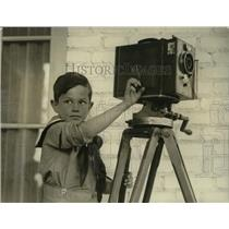 1922 Press Photo Labor Secretary's Son Jimmie Davis Jr. with Movie Camera