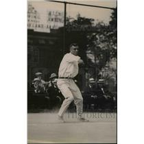 1920 Press Photo Tennis player Roland Roberts in action on the courts