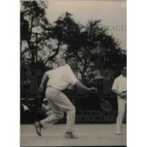 1920 Press Photo Tennis player Roland Roberts in action at a tournament