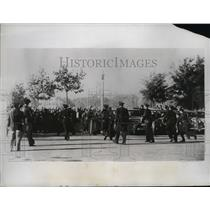 1934 Press Photo Armed Civil Guards Advance on Revolutionaries in Madrid Square