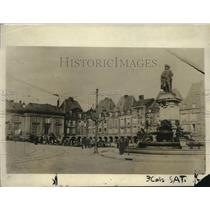 1918 Press Photo Vouziers in Northern France Under Hun Occupation - ney18131