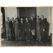 1933 Press Photo Bendix Transcontinental Air Race Pilots w Mayor John P. O'Brien