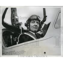 1954 Press Photo British Air Secretary Lord de L'Isle & Dudley in Plane Cockpit