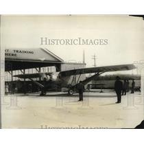 1928 Press Photo Mechanics at Handley Field Tune Up Sollnaca Monoplane