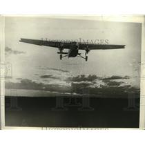 1929 Press Photo Tri-Motor Fokker Plane Landing at Wichita, Kansas - ney18876