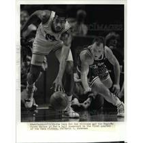 1990 Press Photo The Cavs Hot Rod Williams and Magic's Scott Skiles. - cvb64658