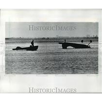 1984 Press Photo Paul Walter's 1954 Cessna 195 plane crashed into Tampa Bay