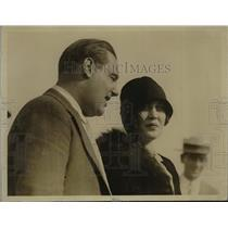 1927 Press Photo Mr & Mrs Floyd Bertaud. He is the pilot of Old Glory