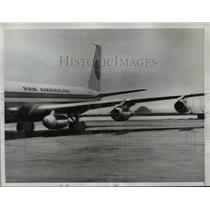 1961 Press Photo Extra jet engine carried in special wing pod - nef04206