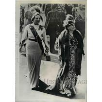 1939 Press Photo Queen Wilhelmina of Holland, Princess Juliana - nef06988