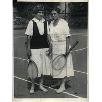 1923 Press Photo Marie Wagner, Mrs. S. Waring of University Heights Tennis Club