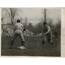 1928 Press Photo Glen of Columbia safe at 1st vs City team in NYC - net01709
