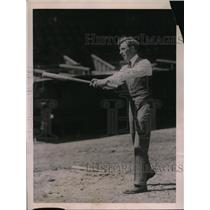 1922 Press Photo Golfer Jock the Hutch at Yankees baseball park - net02160