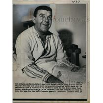 1961 Press Photo New York Rangers goalie Gump Worsley recovers from concussion