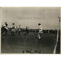 1924 Press Photo Women's international field hockey match, US against England