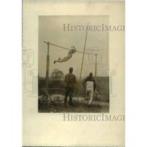 1919 Press Photo University of Illinois pole vaulter Pvt. Alvin Lang - net04998