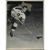 1949 Press Photo Cleveland Barons hockey center Les Douglas on the ice