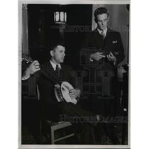 1934 Press Photo Charles Grimm, George Stainback of Cubs play music at training
