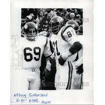 1977 Press Photo Minnesota Vikings Doug Sutherland and Carl Eller during game