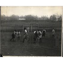 1924 Press Photo Philadelphia field hockey players against Bryn Mawr College