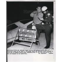 1962 Press Photo Angel catcher Ed Sadowski & police at car accident in LA