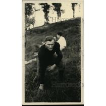 1925 Press Photo Football player L.D. Walker in three point stance - net07309