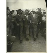 1930 Press Photo Aviator Charles Kingsford-Smith Arriving at Roosevelt Field