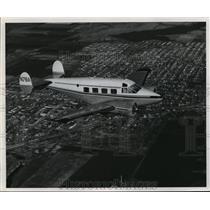 1958 Press Photo Beechcraft Super 18 Airplane - ney21736