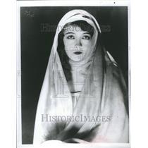1976 Press Photo Lillian Gish Actress Long Career - RRR47857