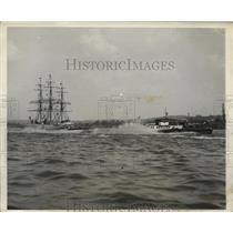 "1931 Press Photo Boat ""Miss Philadelphia"" Before Crash, President's Cup Race"