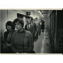 1984 Press Photo Milwaukee County Sheriff Richard A Artison tour Milwaukee Jail