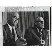 1962 Press Photo Steel Negotiators Tell Newsmen Steelworkers Need To Rest Report