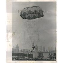 1962 Press Photo Chuting Stars Navy Meigs Field Show - RRR50097