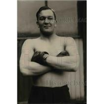 1920 Press Photo Boxer Abe Anderson trains at a gym for a bout - net19199