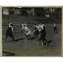 1927 Press Photo Bryn Mawr vs All Philadelphia girls field hockey - net19510