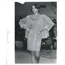 1990 Press Photo Geoffrey Beene Cocktail Jacket Armani - RRR51559