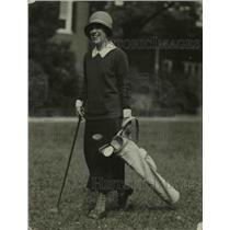 1924 Press Photo Katherine Dunlop debutante at a golf course - net20369